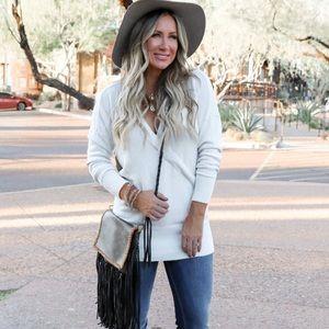 Express ivory v-neck sweater M